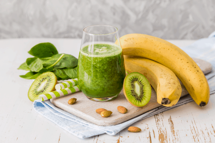 Iron Rich Smoothies Recipes: A Tasty Way to Introduce Kale and Spinach in Your Diet